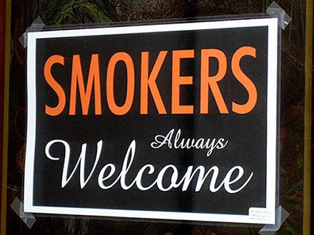 04032006_smoking.jpg