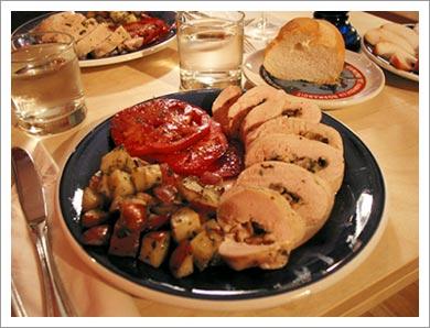 08272003_meal.jpg
