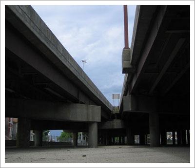 08292005_underpass3.jpg