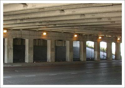 08292005_underpass4.jpg