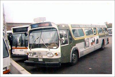 09252003_bus.jpg